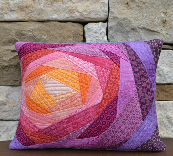 coussin patchwork rose et violet