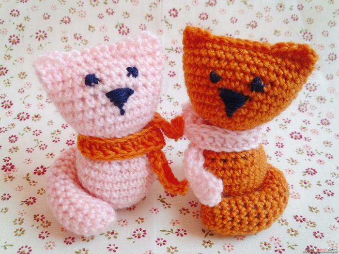débuter au crochet amigurumi modèle chattons
