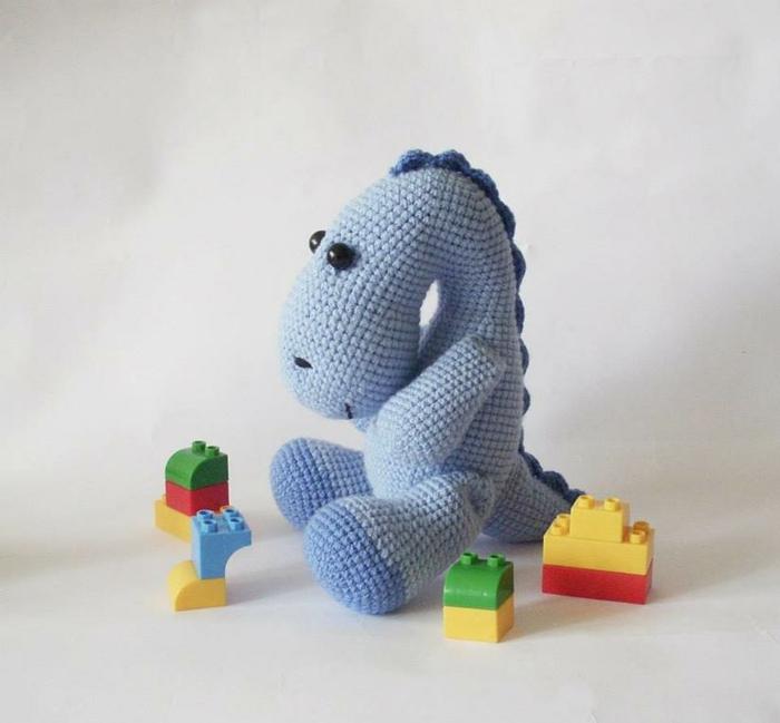débuter au crochet amigurumi modèle dinosaure