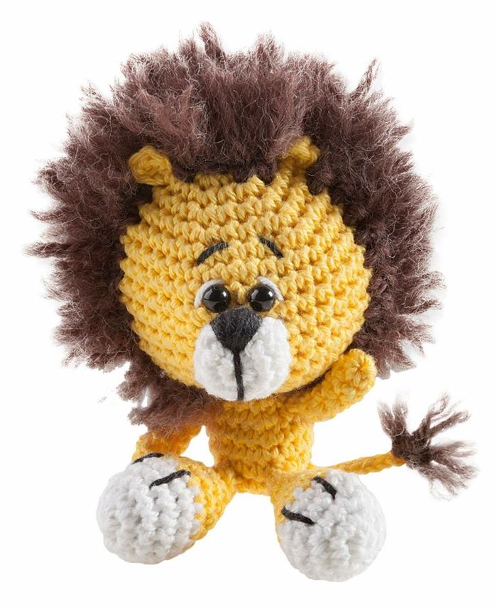 débuter au crochet amigurumi modèle lion