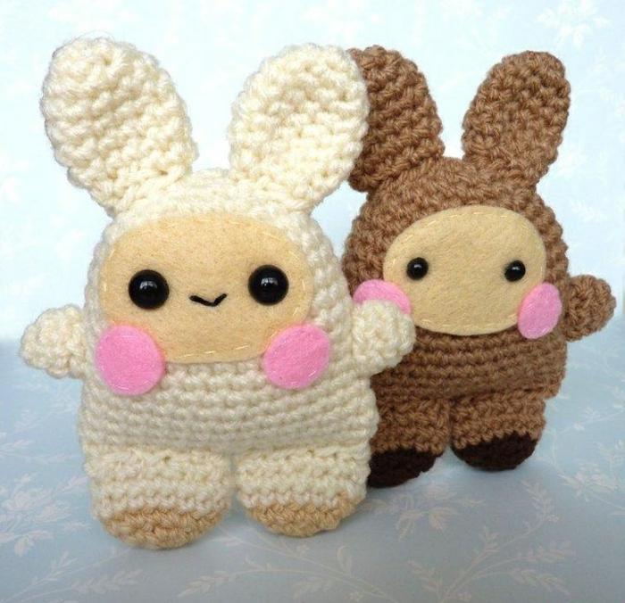 débuter au crochet amigurumi modèle petits lapins