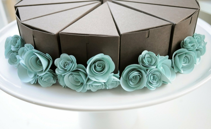 déco boite dragées avec des fleurs en papier