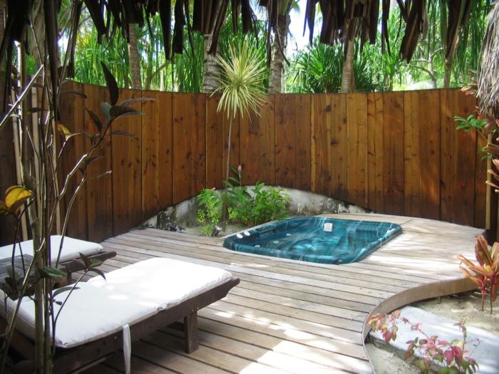 déco petit jardin avec spa