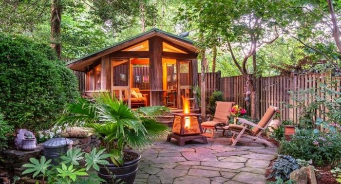 déco petit jardin cabane de bois