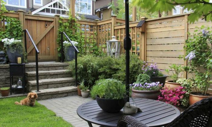 déco petit jardin clôture de jardin en bois