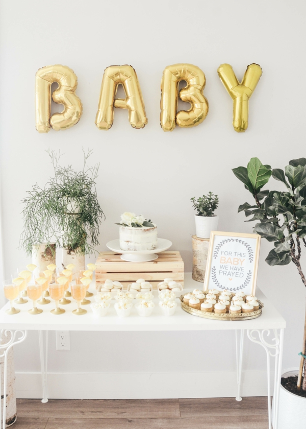 décoration baby shower ballons lettres