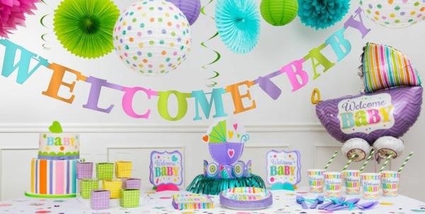 décoration baby shower en papier coloré