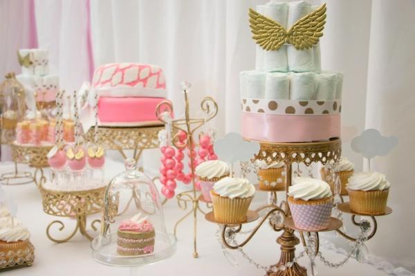 décoration baby shower gâteau en couches bébé