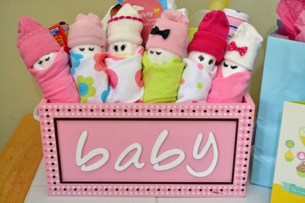 décoration baby shower poupées bébés