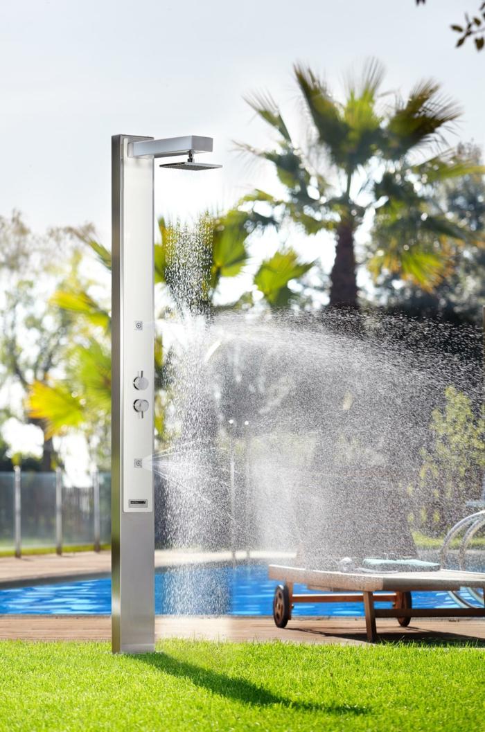 douche extérieure solaire idée piscine