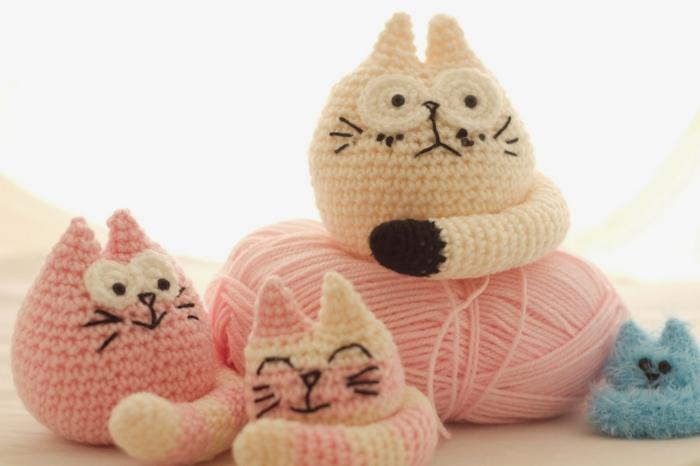famille chats débuter au crochet amigurumi modèle