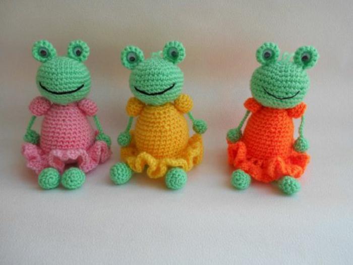 famille grenouilles débuter au crochet amigurumi modèle