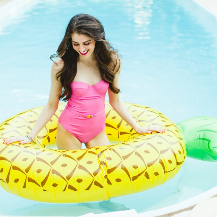 idée bouée gonflable en forme ananas