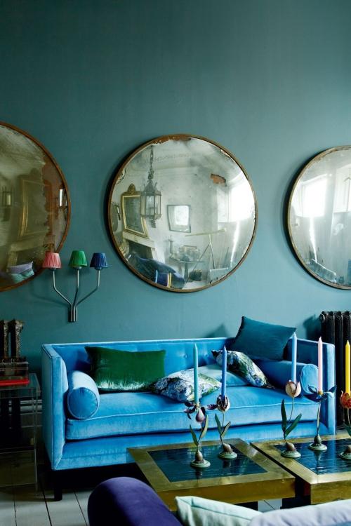 idées de petit salon mur peint en bleu canard