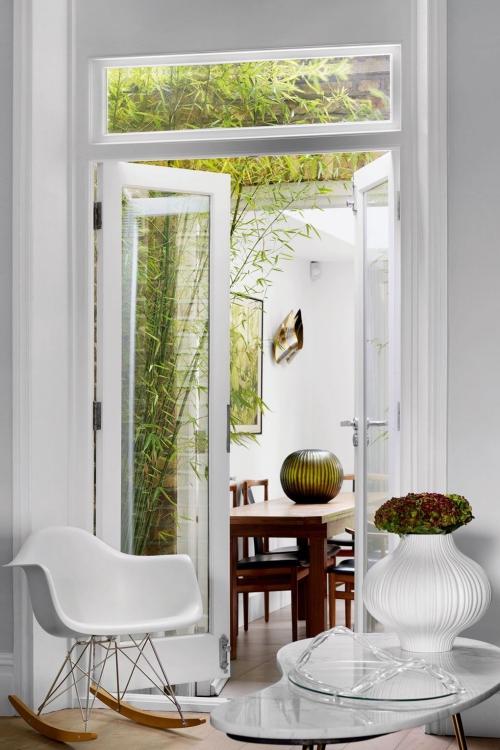 idées de petit salon porte-fenêtre liant le salon et la salle à manger