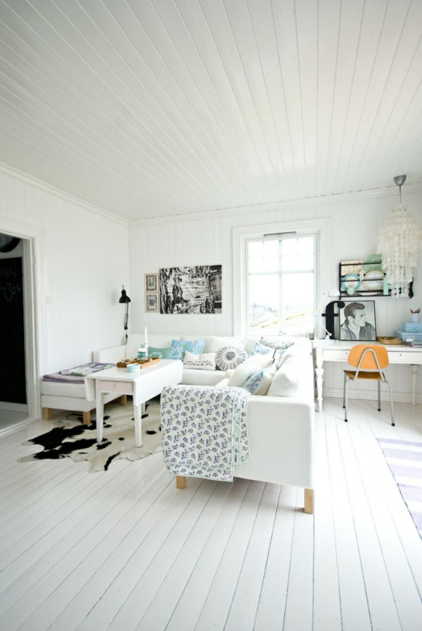 idées pour un salon déco scandinave deux canapés table basse devant