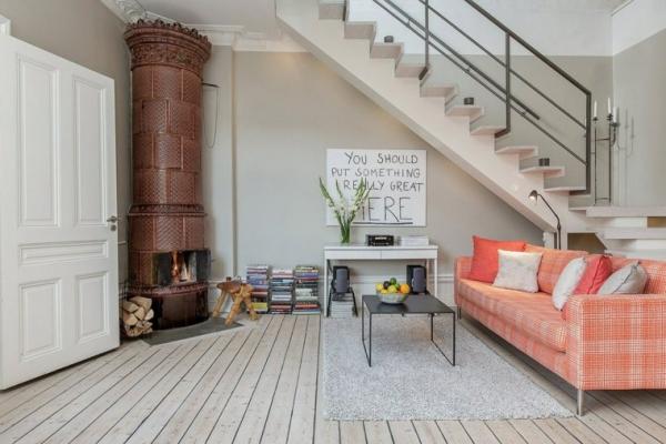 idées pour un salon déco scandinave espace économisé coin-repos sous l'escalier