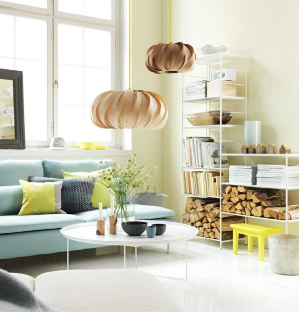 idées pour un salon déco scandinave mur blanc canapé bleu ciel