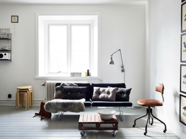 idées pour un salon déco scandinave murs blancs éclairage suffisant