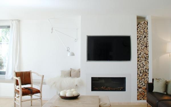 idées pour un salon déco scandinave murs blancs canapé chaise vintage