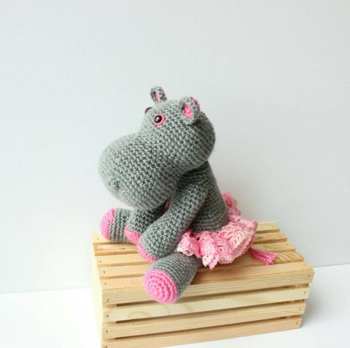 jouet hippopotame débuter au crochet amigurumi modèle