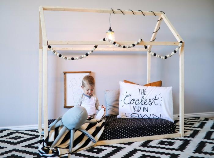 lit cabane montessori chambre enfant tapis graphique