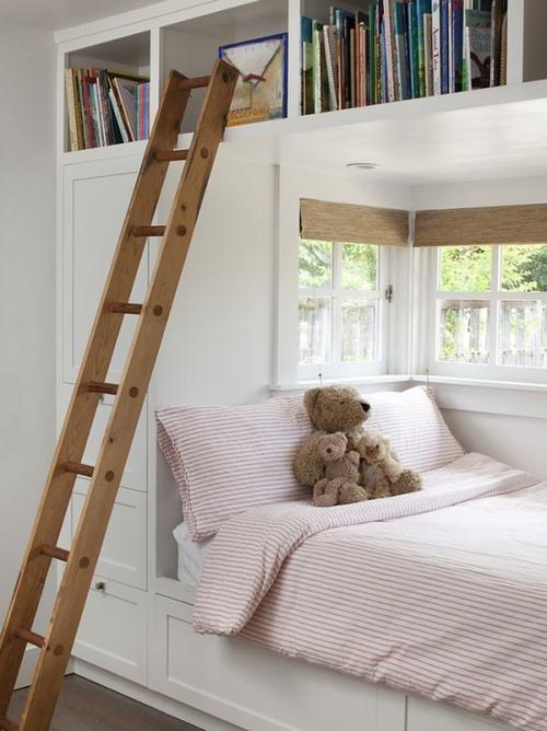 lit pour petit espace armoires et tiroirs en blanc
