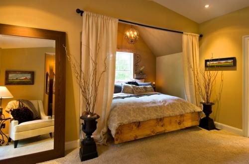 lit pour petit espace sous un toit incliné