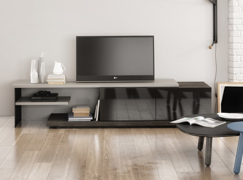 meuble tv moderne et discret se mariant bien avec le salon. Black Bedroom Furniture Sets. Home Design Ideas