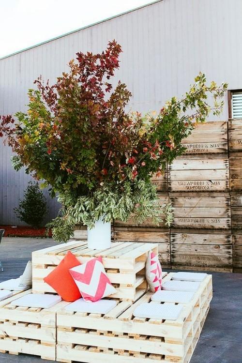 meubles de jardin en palettes canapé original carré