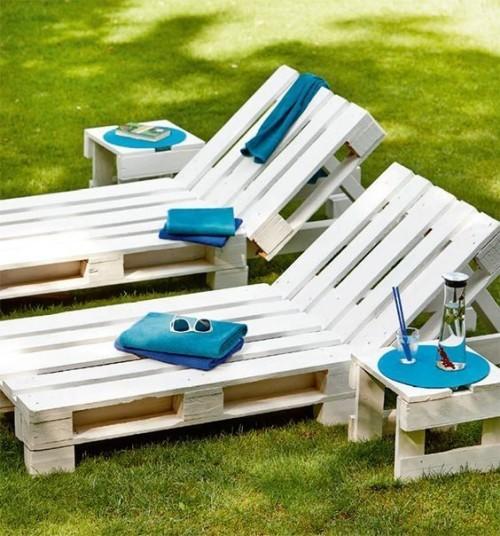 meubles de jardin en palettes chaises-longues inclinables