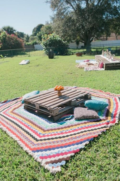 meubles de jardin en palettes coin-enfants et coin-adultes