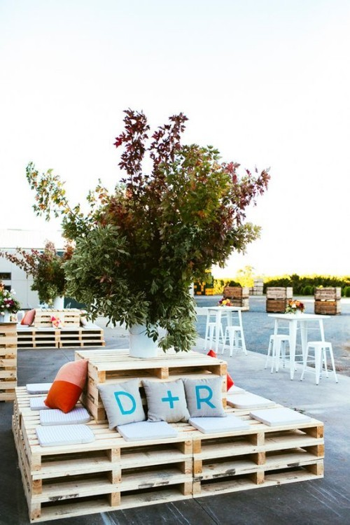 meubles de jardin en palettes espace extérieur d' entreprise