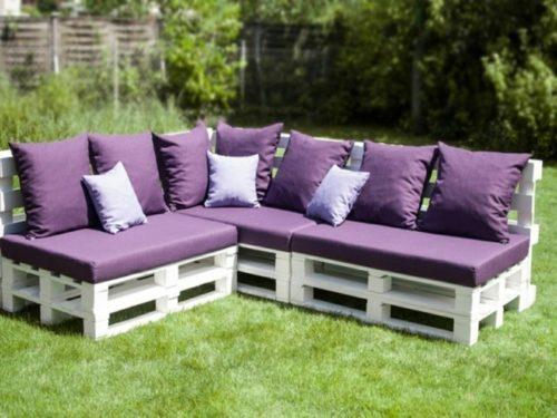 meubles de jardin en pallettes canapé avec sièges et coussins en lilas