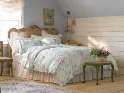 meubles shabby chic belle mansarde en bleu ciel et rose