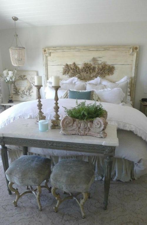 meubles shabby chic mur et plafond en blanc