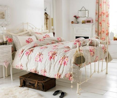 meubles shabby chic murs et plancher en blanc