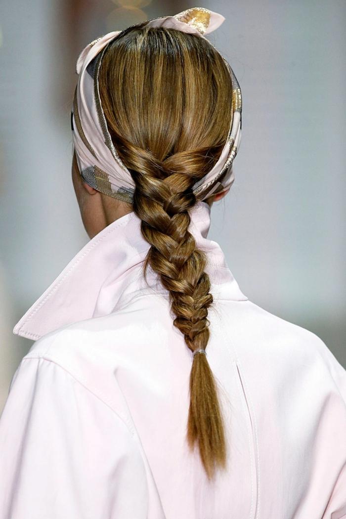 mode cheveux nouer foulard cheveux