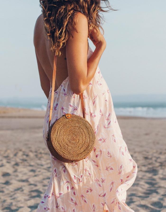panier tressé rond pour la plage