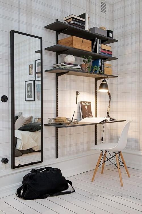 petit bureau industriel mur en papier peint clair