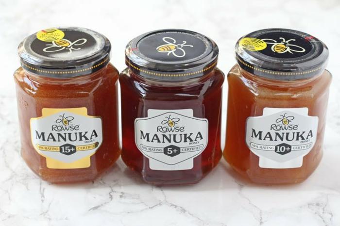 pots avec du miel de manuka