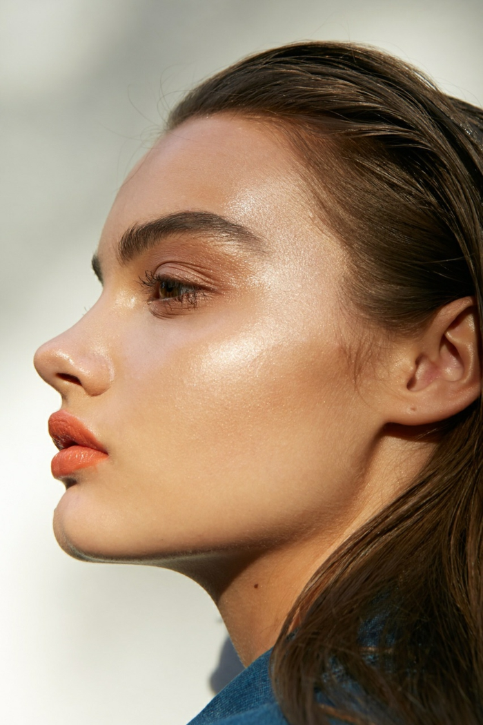 poudre bronzante tendance pour le maquillage femme