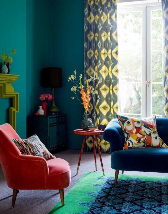 quelle couleur associer au bleu pétrole salon fauteuil corail
