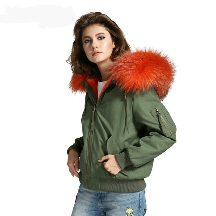 quelle couleur va avec le kaki tenue femme kaki et orange
