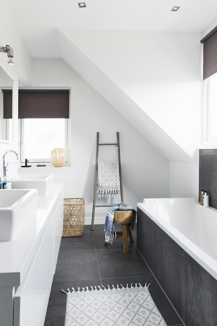 salle de bains moderne idée échelle bois déco