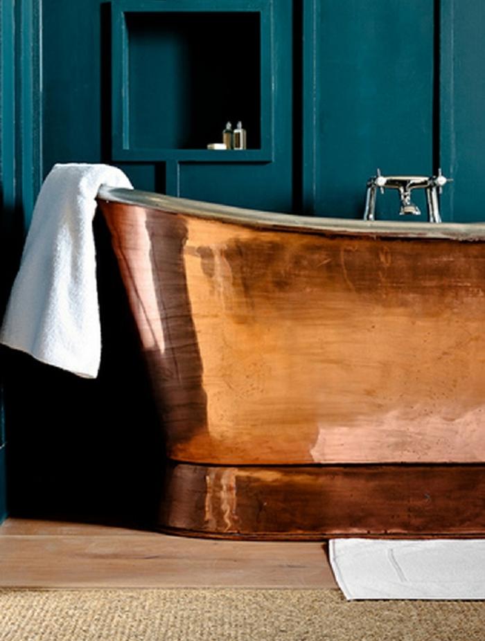 salle de bains quelle couleur associer au bleu pétrole