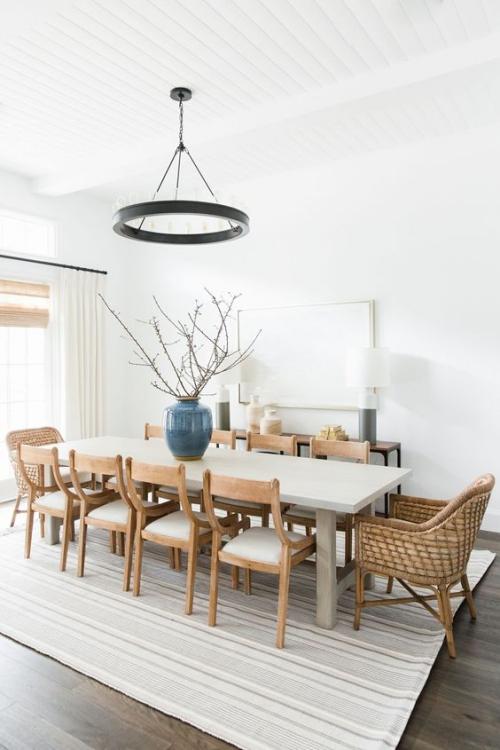 table à manger rectangulaire pour dix personnes