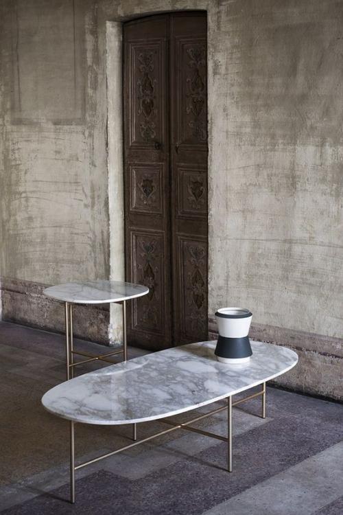 table basse en marbre deux tables ronde et ovale