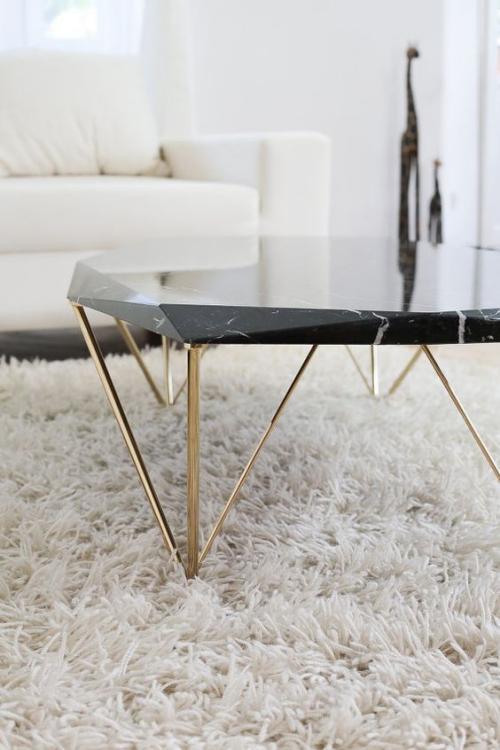 table basse en marbre petite table en marbre noir veiné