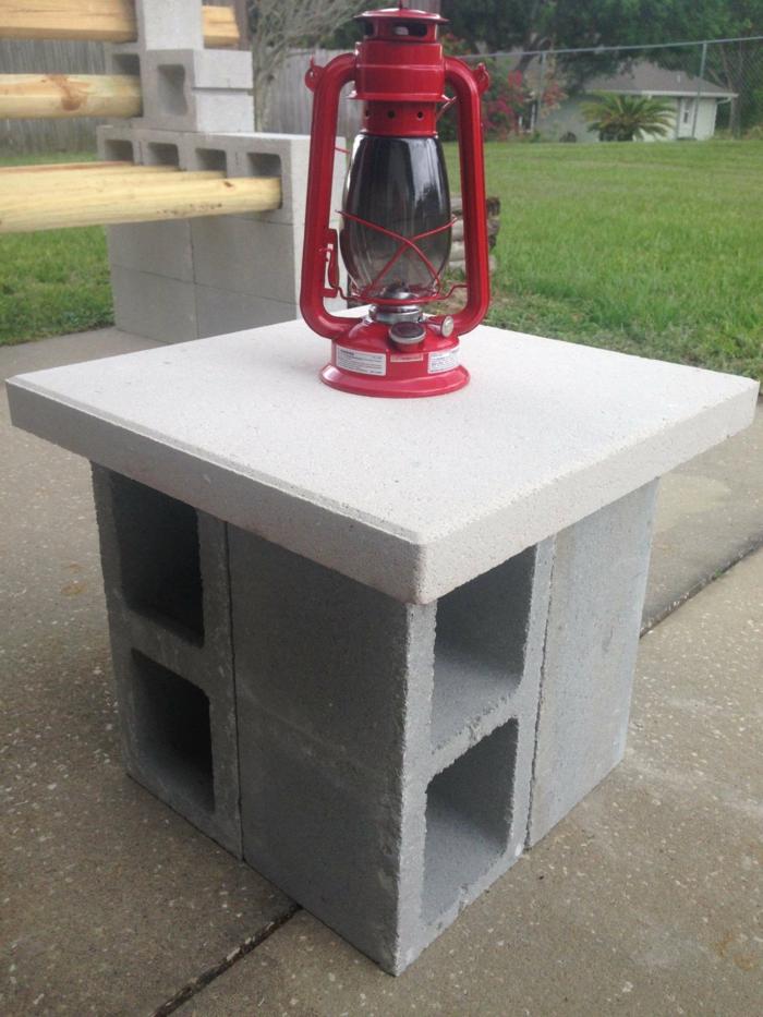 Idées DIY déco avec un parpaing pour transformer votre extérieur